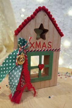 Χριστουγεννιάτικα Γούρια 2017-2018 – Art Makes Me Happy Wood Crafts, Diy And Crafts, Christmas Crafts, Crafts For Kids, Christmas Decorations, Christmas Ornaments, Christmas Ideas, Lucky Charm, Holidays And Events