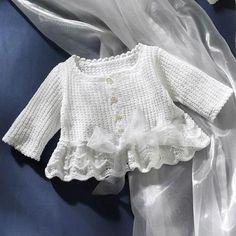 Beyaz bebek çocuk hırkası modelleri