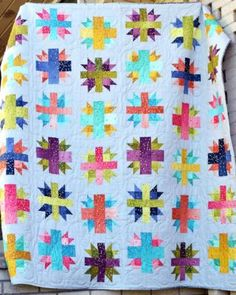 Today we're going to cover a basic quilt block: the Diamond in a Square. The traditional way would have you cut a diamond and four triangle pieces, but we have an easier method for foolproof… Chevron Quilt Pattern, Pattern Paper, Baby Bib Tutorial, Baby Quilt Tutorials, Log Cabin Quilts, Modern Quilt Patterns, Cartography, Square Quilt, Quilt Blocks