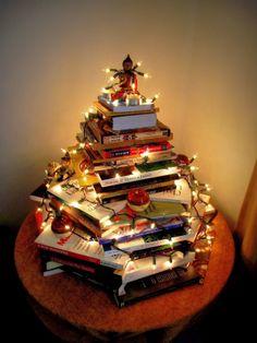 Minha árvore de Natal com livros! <3