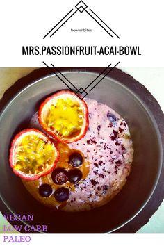 Mrs. Passionfruit ist ein Mix aus Bananen-Nicecream zusammen mit 2 TL Mandelbutter, 2 TL Chia, Handvoll Blaubeeren, 100g Kokosjoghurt, 1 TL Acai-Pulver & als Topping noch eine Maracuja.  Genießt es!