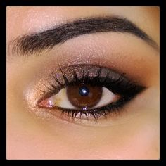 Maquiagem marrom com delineador preto