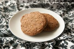 Gluten free sunflower cookies - they are delicious! No dairy, nuts, gluten or refined sugar.