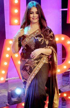 Mahima Chaudhary on the sets of 'Ticket to Bollywood'. Indian Bollywood, Bollywood Style, Bollywood Fashion, Mahima Chaudhry, Outside Movie, Aunty Desi Hot, Reality Tv Shows, Indian Beauty Saree, Bollywood Celebrities