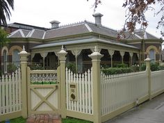 A Polychromatic Brick Victorian Villa - Moonee Ponds by raaen99, via Flickr fence