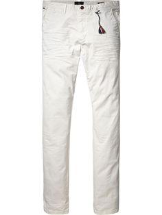 Clean Slim Fit Chino Pants | Pants | Men's Clothing at Scotch & Soda