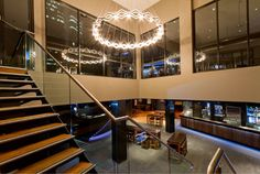 The Exchange Hotel, situated in the heart of the Brisbane CBD is another popular venue for university students. Spread across four exceptional bars the venue offers a diverse range of local and imported products, refreshing cocktails, premium spirits and liqueurs and top of the range wines and bubbly. Students who frequent The Exchange Hotel love the loud and busy atmosphere and great party environment.
