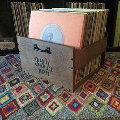 meuble vinyle : La caisse vintage Wood Dog Studios