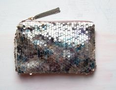 obsessing over this clutch