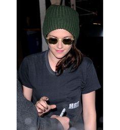Kristen Stewart: vintage-inspired shades and forest-green beanie