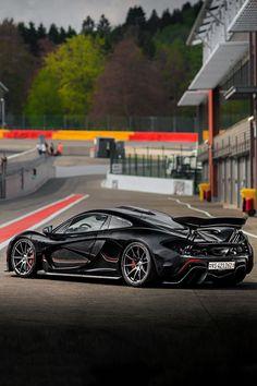 Visit The MACHINE Shop Café... (Best of McLaren @ MACHINE) McLaren P1 Supercar Side View