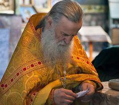 Κύριε, δεν ξέρω τι να ζητιανέψω από Εσένα. Μόνον Εσύ γνωρίζεις τι μου χρειάζεται. Συ με αγαπάς περισσότερο από όσο εγώ ξέρω να αγαπώ τον εαυτό μου. Κύριέ Religion, Spirituality, Inspiration, Greek, Breakfast, Quotes, Crafts, Diy, Math