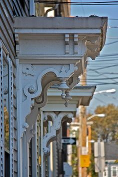 Salem corbels, love these! Architectural Features, Architectural Salvage, Architectural Elements, Victorian Porch, Victorian Homes, Wooden Corbels, House Trim, Metal Wall Sculpture, Exterior Trim