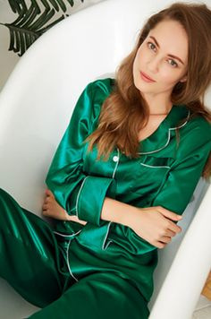 Timelessly beautiful and effortlessly romantic, LilySilk ultra-luxe silk pajama is cut for a relaxed and fluid fit, and perfectly designed for daywear. Satin Pyjama Set, Satin Pajamas, Pajama Set, Pajamas For Teens, Cute Pajamas, Comfy Pajamas, Womens Fashion Online, Latest Fashion For Women, Silk Pijamas
