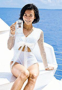 普段と違った髪型のの浅田舞さん