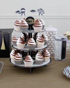 Graduation Party Cupcakes & Toppers