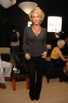 Kelly Carlson wallpapers Beautiful Kelly Carlson pictures and photos Long To Short Hair, Short Curly Hair, Short Hair Cuts, Kelly Carlson, Musical Hair, Medium Hair Styles, Curly Hair Styles, Corte Y Color, Great Hair