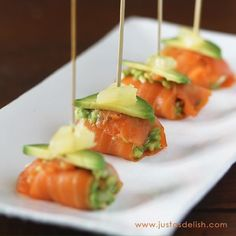 Smoked Salmon Bites Why even bother with a main course?Why even bother with a main course? Healthy Snacks, Healthy Eating, Healthy Recipes, Keto Recipes, Appetizers For Party, Appetizer Recipes, Endive Appetizers, Shower Appetizers, Canapes Recipes