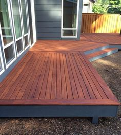 Wooden Mahogany Deck 2019 It is important to know that pre-stain stain and finishing coat are consistent. This means that if you choose oil-based stain pre-stain and topcoat must also The post Wooden Mahogany Deck 2019 appeared first on Deck ideas. Backyard Patio Designs, Backyard Landscaping, Patio Decks, Decks And Porches, Outdoor Decking, Landscaping Ideas, Pergola Patio, Curved Decking, Small Backyard Decks