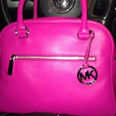 awesome handbags outlet