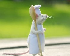 Needle wool White mouse Mouse kitchen Mouse and kitchen Cute mouse Chef mouse Spoon Cook mouse Gift the cook Mouse in apron Felted mice Mice