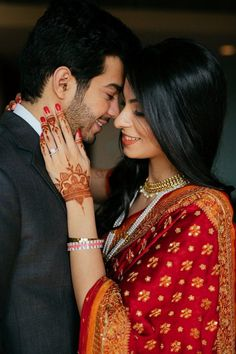Voguish Delhi Wedding with Lustworthy Outfit Ideas & endless Decor Inspiration is part of Indian wedding photography couples We know we've set your expectations too high with the headline but no - Indian Wedding Couple Photography, Indian Wedding Photos, Wedding Couple Photos, Couple Photography Poses, Mehendi Photography, Indian Wedding Receptions, Romantic Wedding Photos, Couple Pics, Bridal Photography