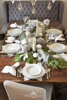 Gold and Silver Snowflake Christmas Table Setting Winter White Snowflake Christmas Table Setting – Home with Holliday Christmas Dining Table, Christmas Table Settings, Christmas Tablescapes, Christmas Table Decorations, Decoration Table, Holiday Tables, Christmas Place Setting, Christmas China, Christmas Tea