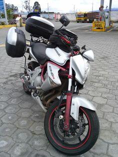 Kawasaki er6n with shad sh43 luggage