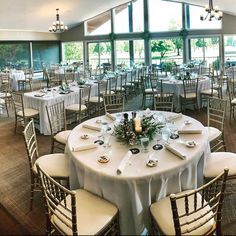 Something as simple as adding chiavari chairs to a venue vs using the chairs the venue provides can change the look of your wedding tenfold 😍