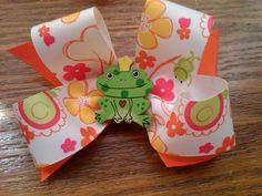 Frog Queen Bow