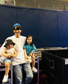 Kai and his niece and nephew Cute Asian Babies, Korean Babies, Kyungsoo, Chanyeol, Kai Exo, Ulzzang Kids, Kids Fashion Photography, Kim Minseok, Exo Memes