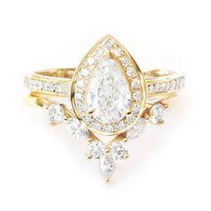 Private listing for Justin - 6 payement plan, 14K yellow gold, Size 6, Pear diamond nia + hermes wedding band #WhiteWeddingRing #PearHaloRingSet #MatchingSideBand #BridalDiamondSet #PearEngagementRing #RingWithSideBand #MarquiseDiamond #MarquiseRing #DiamondVRing #PearDiamondRing Halo Diamond Engagement Ring, Engagement Ring Settings, Diamond Wedding Rings, Bridal Rings, Vintage Engagement Rings, Diamond Rings, Solitaire Diamond, Wedding Bands, Solitaire Rings