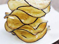 Frittierte Auberginenhobel ist ein Rezept mit frischen Zutaten aus der Kategorie Fruchtgemüse. Probieren Sie dieses und weitere Rezepte von EAT SMARTER!