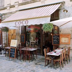 Coco Cafe - Provence, France, photographed by Dennis Barloga (Barloga is one of my favorite photographers: I had posters of his photos all over my classroom -Mari❤) French Cafe, French Bistro, Cafe Bistro, Cafe Bar, European Cafe, Café Restaurant, Sidewalk Cafe, Valensole, Paris Cafe
