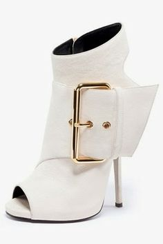 Giuseppe Zanotti - Shoes - 2013 Spring-Summer Best booties EVER! Women's Shoes, Hot Shoes, Me Too Shoes, Bootie Boots, Shoe Boots, Ankle Boots, Pretty Shoes, Beautiful Shoes, Dress Shoes
