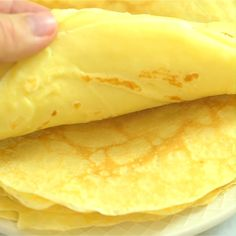 This is a simple, foolproof, and tasty Sweet Crepes recipe. Make these Sweet Crepes they are so easy to make (Yes, EASY! Crepe Recipes, Brunch Recipes, Sweet Recipes, Brunch Food, Sunday Brunch, Sweet Desserts, Easy Recipes, Easter Brunch, Healthy Brunch