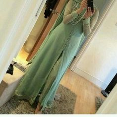 Can be stitch according to ur measurements. Color can be change. We deliver worldwide! Pakistani Outfits, Indian Outfits, Asian Suits, Simple Dress Pattern, Eastern Dresses, Indian Attire, Indian Wear, Desi Clothes, Indian Designer Wear