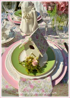 pink rose place setting, table cloth, napkins and bird house roof match! Centerpieces, Table Decorations, Centerpiece Ideas, Fabric Embellishment, Embellishments, Table Settings, Setting Table, Place Settings, Shabby Cottage