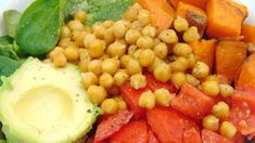Cuscús con tomates secos y garbanzos | Ensalada de cuscús Veggie Recipes, Healthy Recipes, Healthy Meal Prep, Healthy Food, Chana Masala, Meals, Vegetables, Ethnic Recipes, Videos