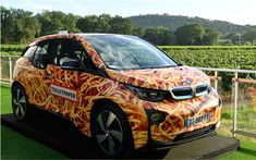 On the occasion of the fourth edition of the annual gala of the Foundation Leonardo DiCaprio held in St. Tropez in France, BMW France has made a gift of a piece of art for less unique. In collaboration with Maurizio Cattelan and Pierpaolo Ferrari Magazine has successfully Toiletpaper, BMW donated a BMW i3 decorated according to the tastes of both artists.   #000 #BMW #Buzz #car #cars guide #News #no less! #spaghetti The car sold for € 10 #The Car Guide #the cars