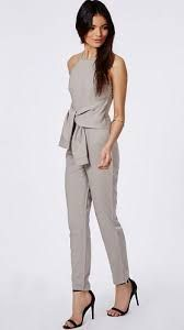 Resultado de imagem para jumpsuit office Modest Outfits, Summer Outfits, Casual Outfits, Jumpsuit Outfit, Casual Jumpsuit, Suit Fashion, Fashion Outfits, Womens Fashion, Wedding Trouser Suits
