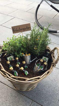 Anniversary Gifts For Parents, Anniversary Decorations, Birthday Decorations, Diy Gifts For Girlfriend, Garden Gifts, Birthday Presents, Herb Garden, Gift Baskets, House Warming