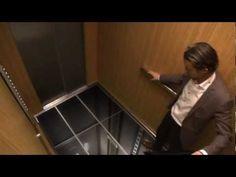 """Elevador do terror LG: marca assusta pessoas em elevador para promover seu novo modelo de monitor. """"É tão real que assusta!"""""""