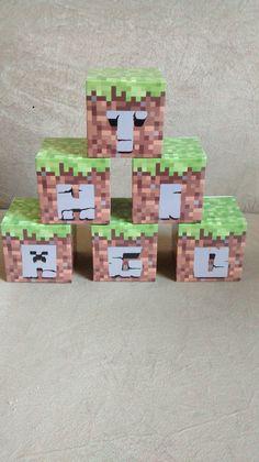 valor se refere a 1 cubo. feito em papel fotográfico. Medida de cada cubo 6cm.
