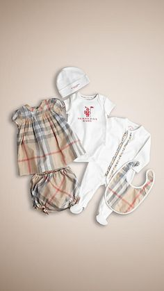 Burberry Pale classic check Cotton Six-Piece Baby Gift Set