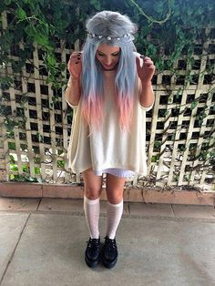 Blue hair with coraly-peach tips. Such a cute idea!