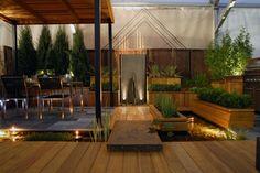 Stauden Holz Terrasse Sträucher immergrüne Pflanze Kübel