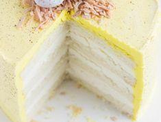 leckere Torte für Ostern mit Ostereiern säuerlich Zitrone