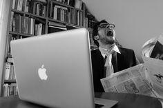 Eine neue und moderne Website muss erreichbar und vor allem schnell sein. Die Zeiten sind vorbei in denen man wartete bis die Websites vollständig geladen waren. Daher bleiben dem Betreiber einer Website am Ende nur wenige Sekunden, den Besucher davon zu überzeugen, dass er sich auf genau der richtigen Website befindet.