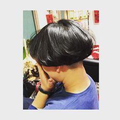 素敵すぎる♡ きのこカット(。•᎑•。)♡♬ みくちゃん、来年も引き続きで〜 ありがとう⤴︎ ⤴︎ #美容師#美容院#アンクラッシュ#岡山#岡山市#カット#きのこヘアー #刈り上げ女子